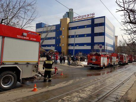 УМоскві горить торговий центр, є постраждалі
