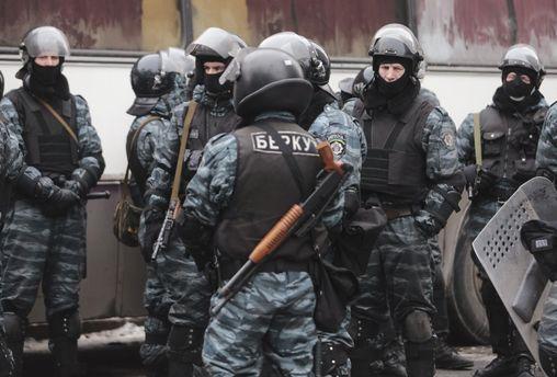 Названо имя 2-го подозреваемого вубийствах силовиков наМайдане