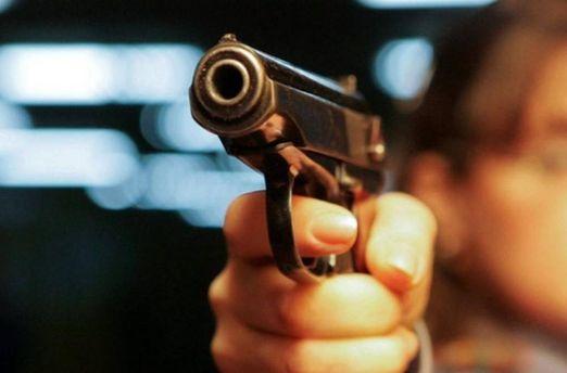 Стрельба вцентре Харькова: Неизвестные ломились вквартиру
