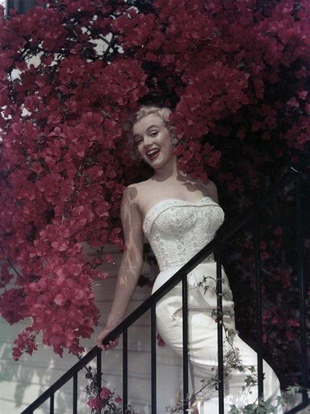 Мерилін Монро в квітах, 1950