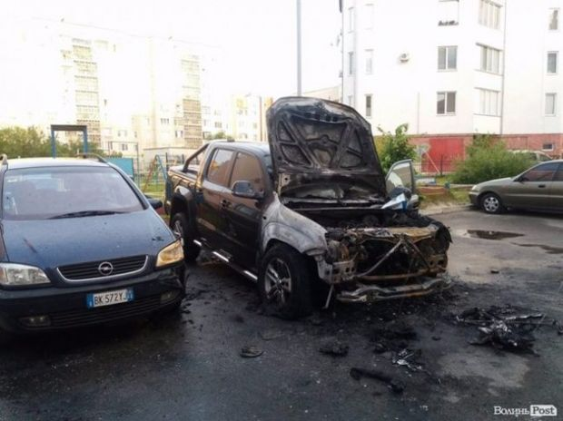 Авто нардепа Лапіна спалили у Луцьку