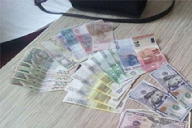 Повії, проституція, сутенер, кримінал, гроші
