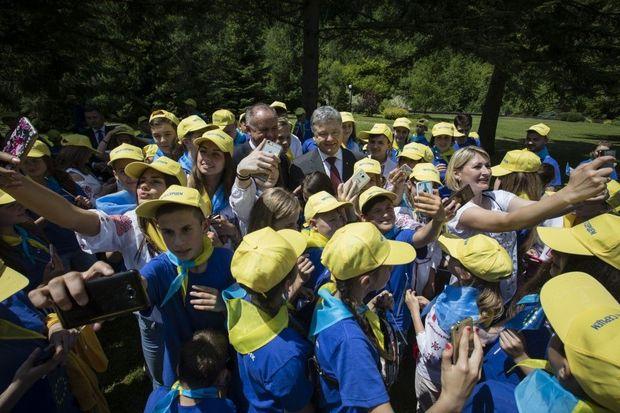 Порошенко, діти, Угорщина