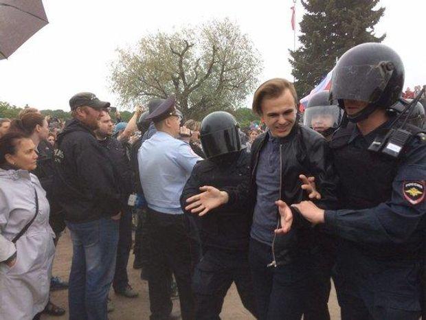 УСанкт-Петербурзі наакції протесту затримано близько 100 осіб