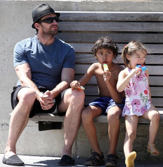 Хью Джекман відпочиває з дітьми