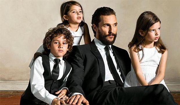 Метью Макконахі зі своїми дітьми