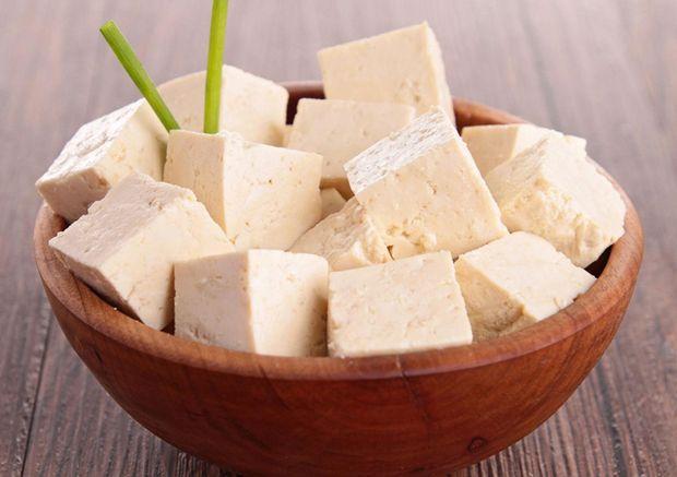Тофу містить білок, який повністю засвоюється