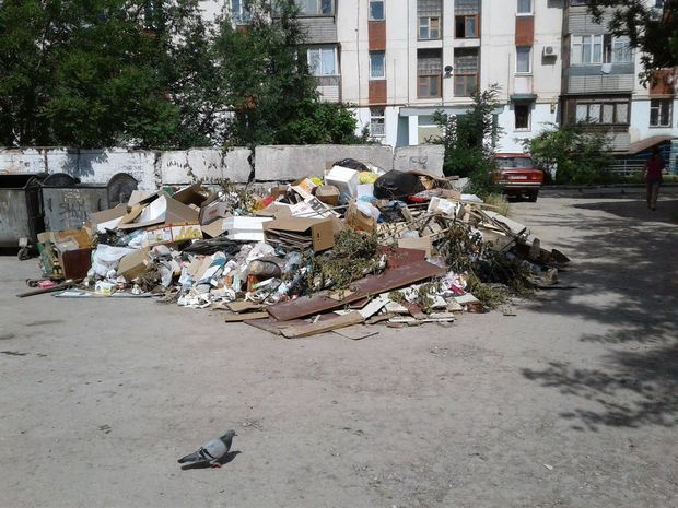 Гори сміття у Євпаторії