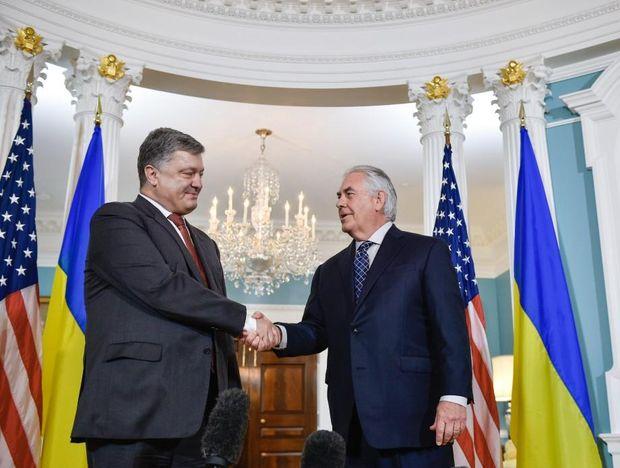 Зустріч Порошенко і Тіллерсона. США готові сприяти мирному врегулюванню ситуації наДонбасі