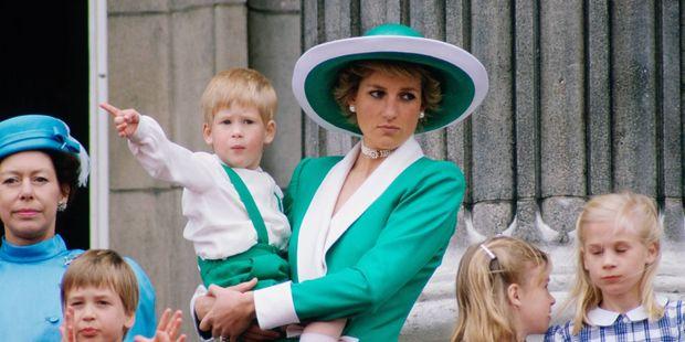 Принц Гаррі: Ніхто зчленів королівської сім'ї нехоче натрон