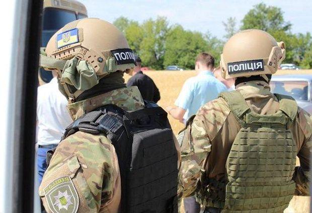 Поліція затримала 31 особу, які намагались захопити ферму на Кіровоградщині