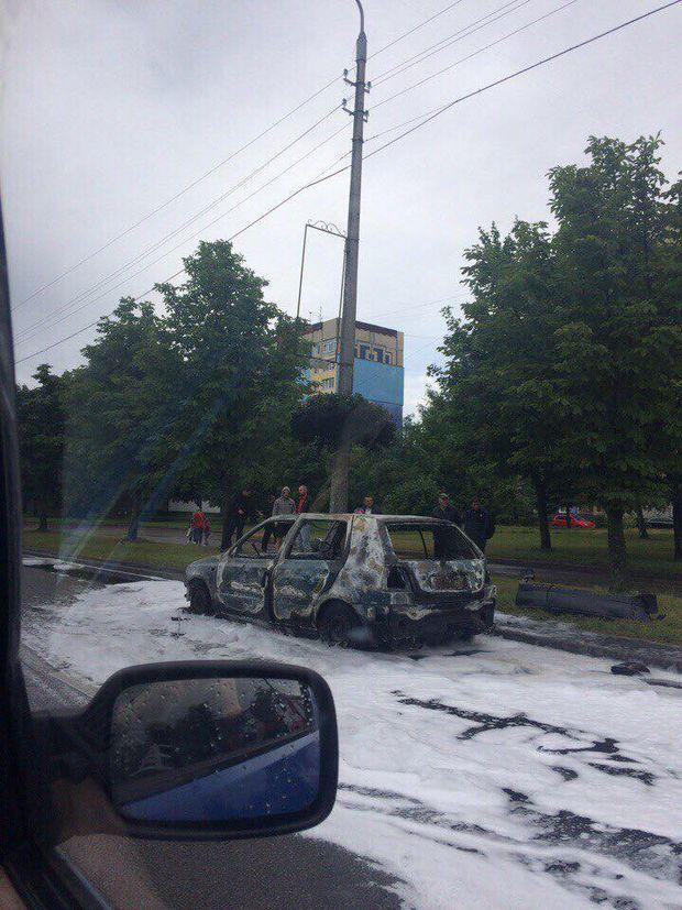 У Львові горіло авто