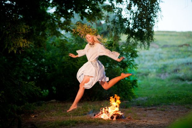 Івана Купала: традиція перескакування через вогнище