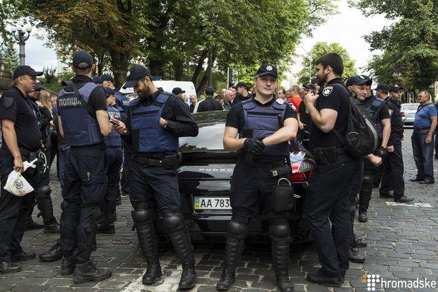 Нацгвардія, ветерани МВС, сутички, поліція, Кабмін, Київ