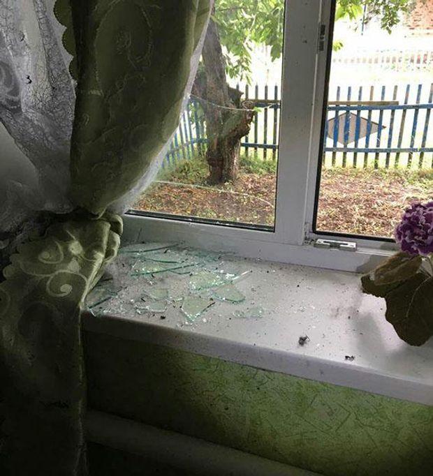 На Донеччині невідомий кинув гранату у двір будинку
