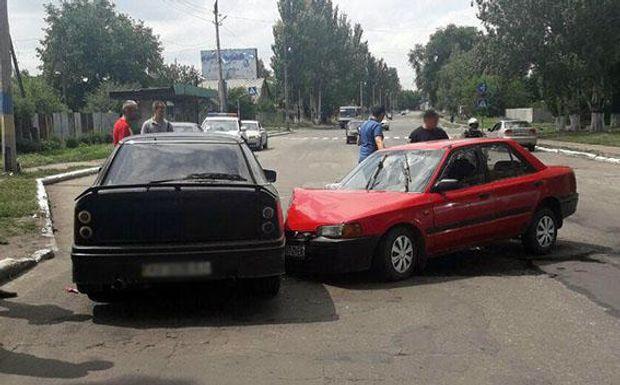 Два легковики зіткнулись у Покровську