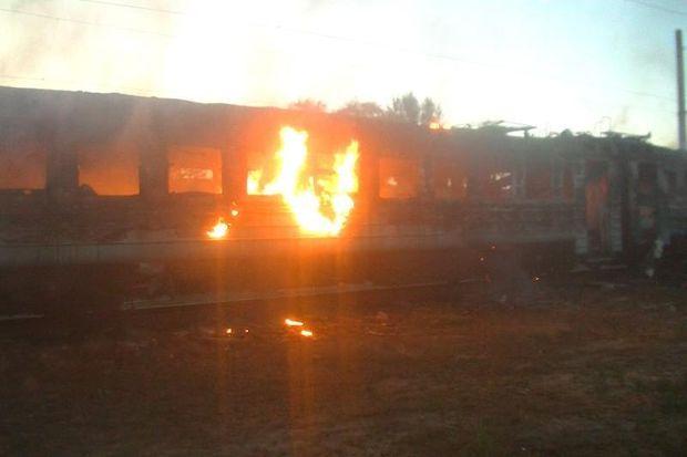 Загорілись два вагони електропоїзда