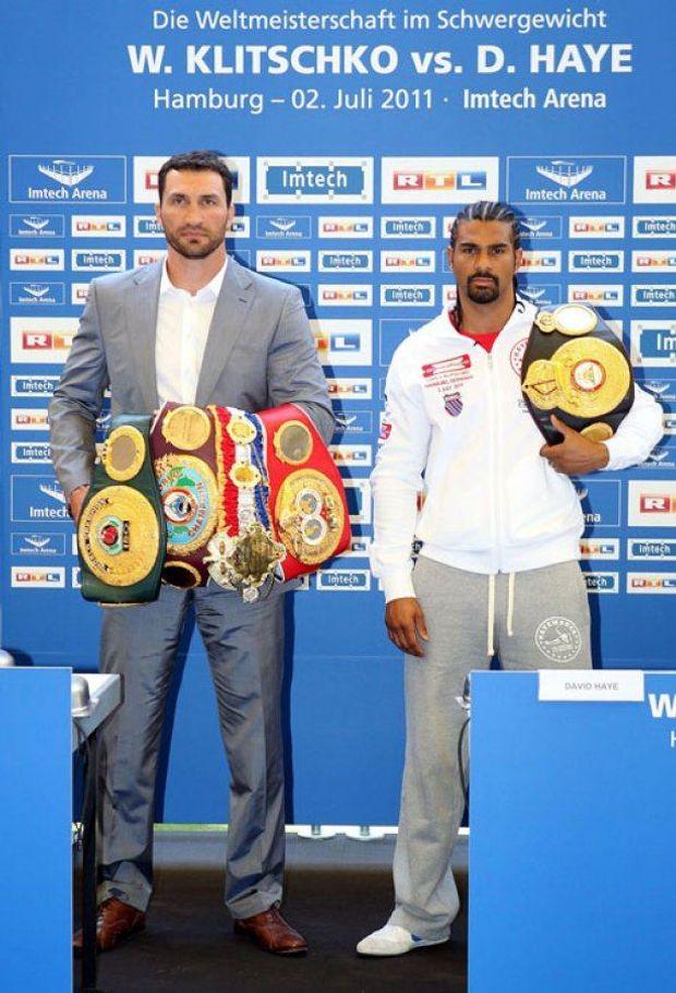 Володимир Кличко переміг Девіда Хея у 2011 році, забравши у нього пояс WBA