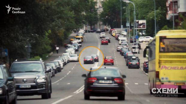 Журналісти показали, яккортеж генпрокурора Луценка жорстко порушує ПДР: опубліковано відео