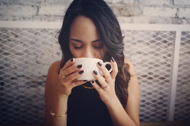 Не вживайте каву за шість годин до сну