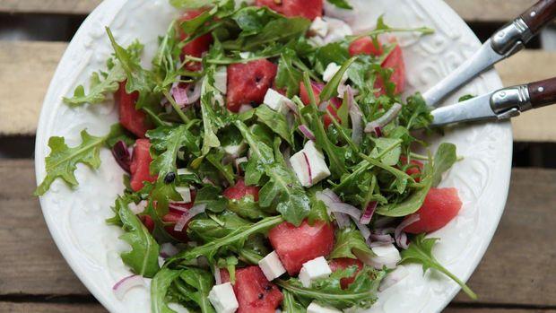 Салат з кавуна, фети та руколи: рецепт