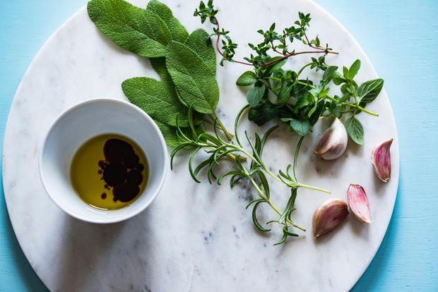 Щоденна норма вітаміну Е міститься в 30 грамах соняшникової нерафінованої олії