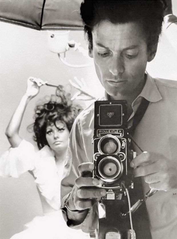 Софі Лорен, 1960 рік. На першому плані – відомий фотограф того часу Річард Аведон