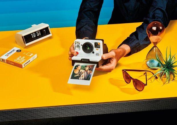 Дизайн OneStep 2 нагадує класичний Polaroid 1977 року