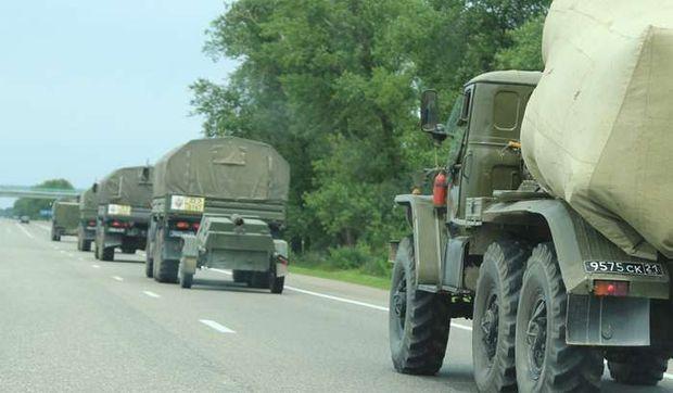 Колона російської військової техніки в Криму, липень 2014 року