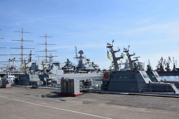 ВОдессу прибыли еще два артиллерийские баркаса для ВМС
