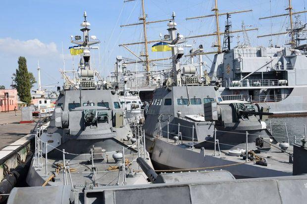 Новые бронированные баркаса получили ВМС Украины