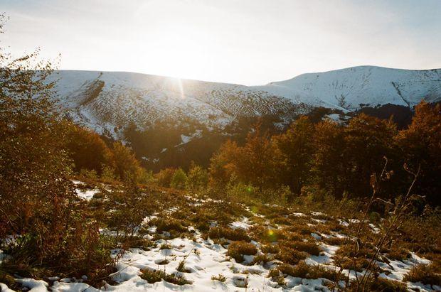 Підйом на гору Гемба, (рання осінь)