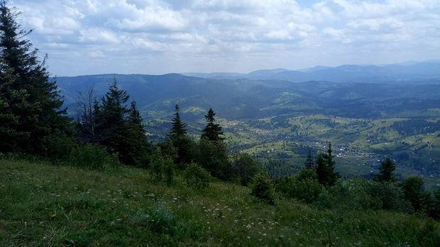 Гора Зворець (літо)