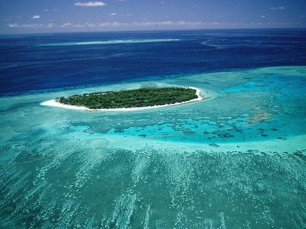 Великий бар'єрний риф в Кораловому морі