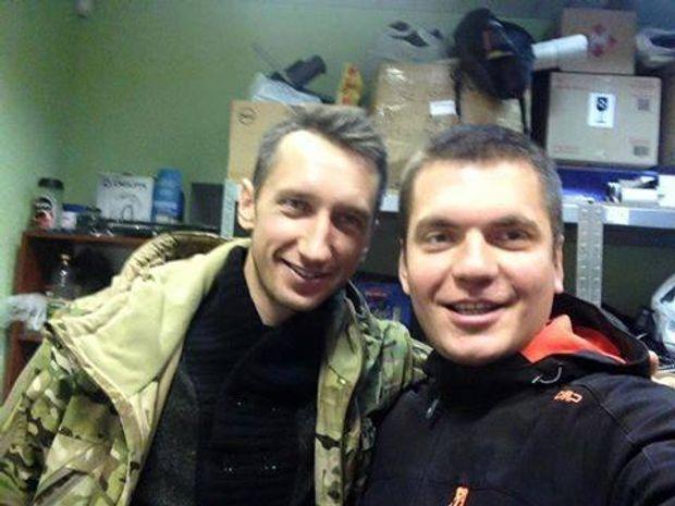 Сергій Стаховський і керівник волонтерського фонду
