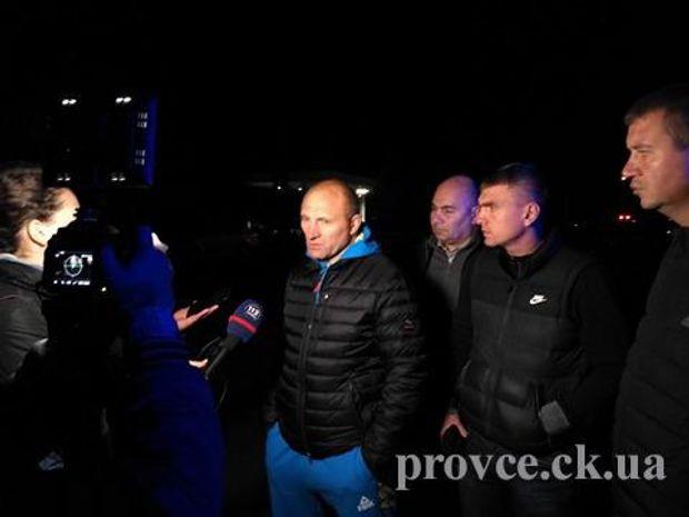 Мер Черкас Анатолій Бондаренко прибув на місце вбивства Бінусова