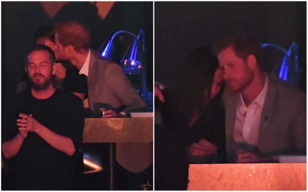 Принц Гаррі та Меган Маркл поцілувались на публіці