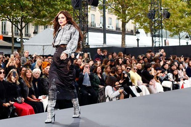 Шеріл Коул на шоу L'Oreal Paris в рамках Тижня моди в Парижі
