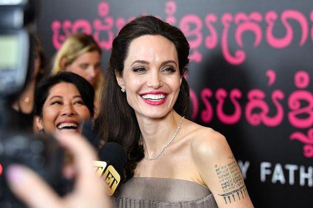 Анджеліна Джолі стала режисером мультфільму