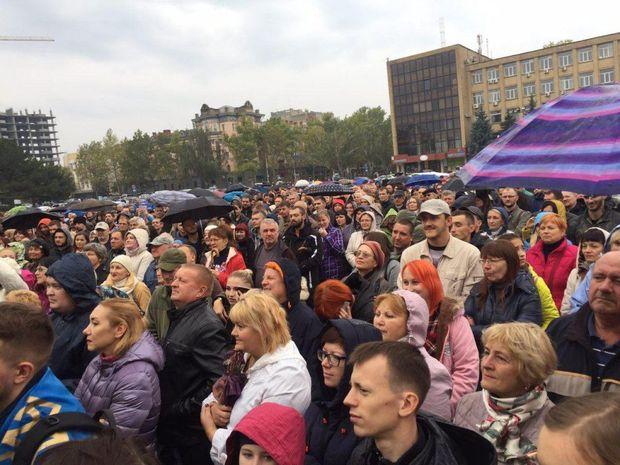 У Миколаєві зібралось багатолюдне міське віче