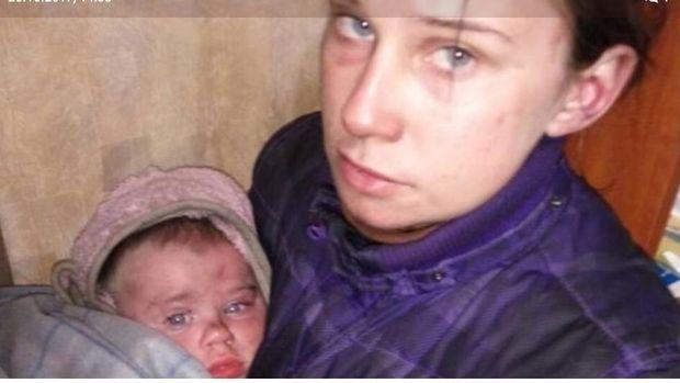 У Харкові правоохоронці врятували немовля, яке жило з матір'ю в наметі посеред лісу