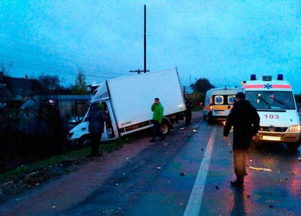 Дев'ятеро травмованих і один загиблий: НаЖитомирщині сталася жахлива аварія