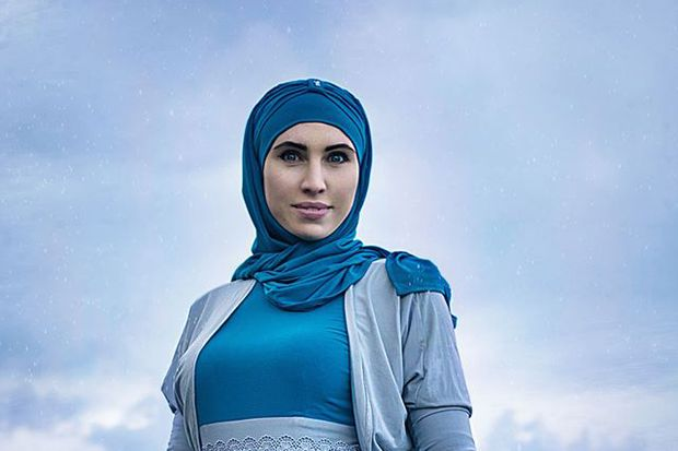 Аміна Окуєва завжди носила хіджаб – мусульманський жіночий одяг 8f0c169455675