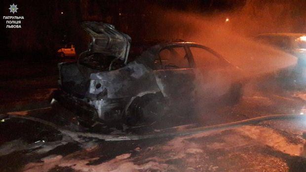 Пожежа автомобіль Львів