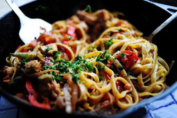 рецепт пасти з помідорами та каперсами