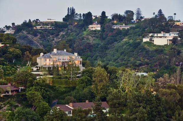 Розкішний будинок Ілона Маска В Лос-Анджелесі