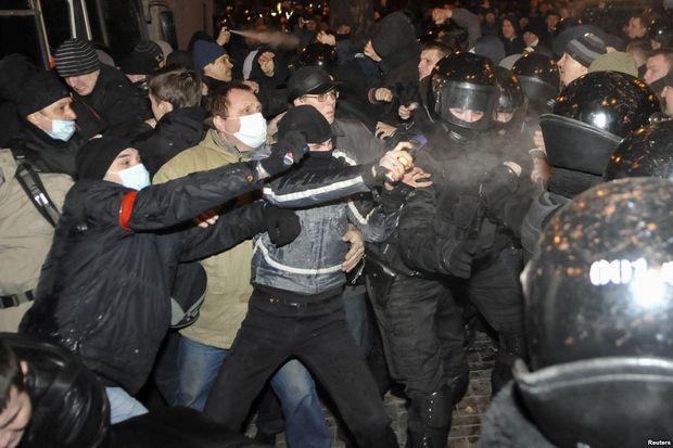 Донецьк. Весна-2014