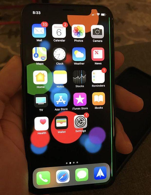 Проблеми з iPhone X: поява зеленої смуги на екрані