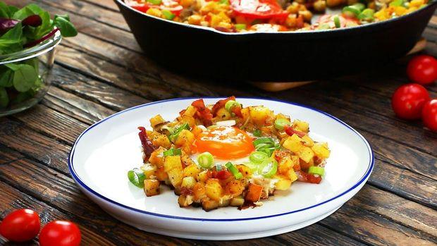 Рецепт яєчні з картоплею