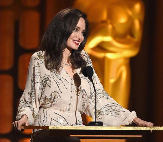 Анджеліна Джолі на церемонії вручення нагороди Governors Awards